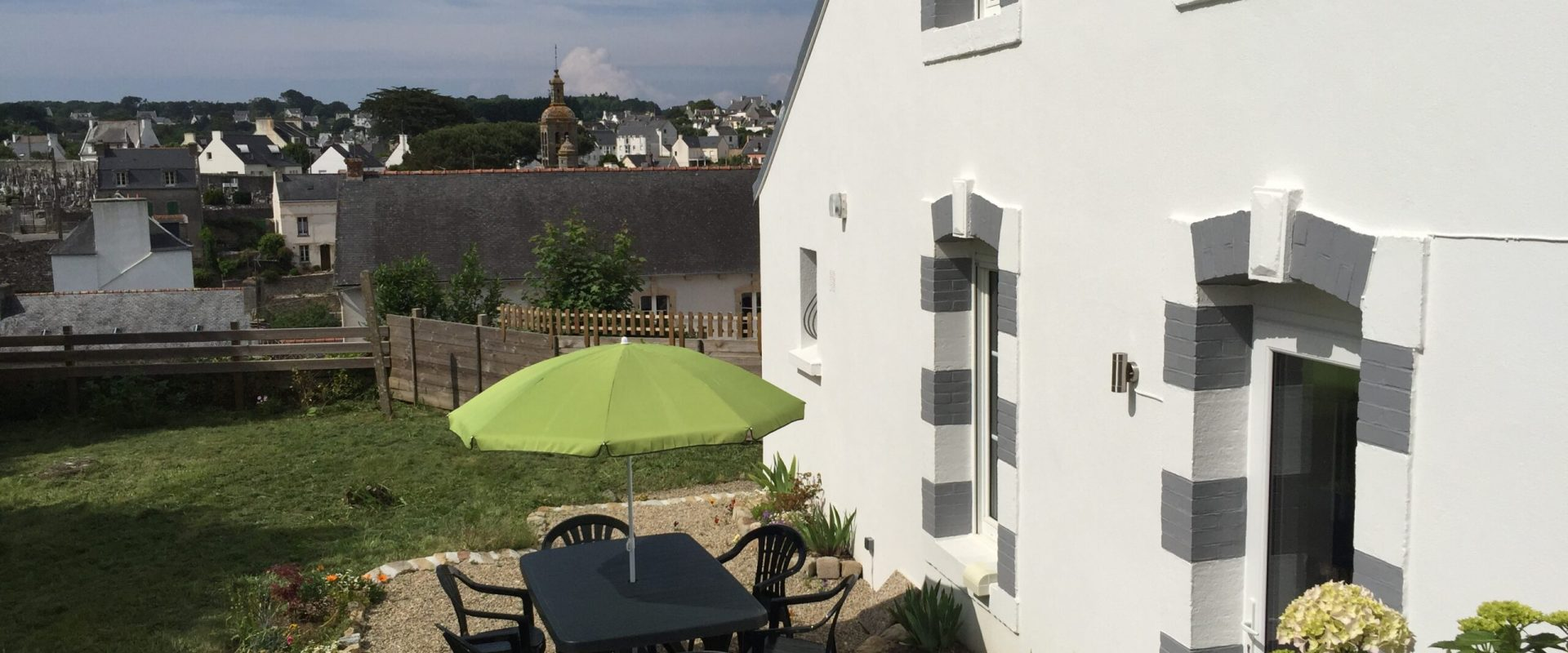 Terrasse mit Garten